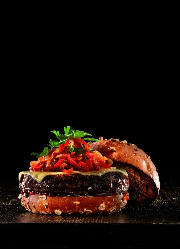 Πέντε νέα λαχταριστά Burgers από τα Fridays