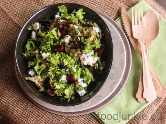 beet-and-goats-cheese-salad