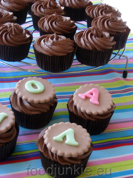 chocolate-banana-cupcakes