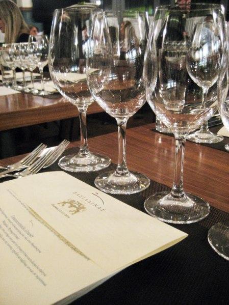 vassilenas-wine-tasting