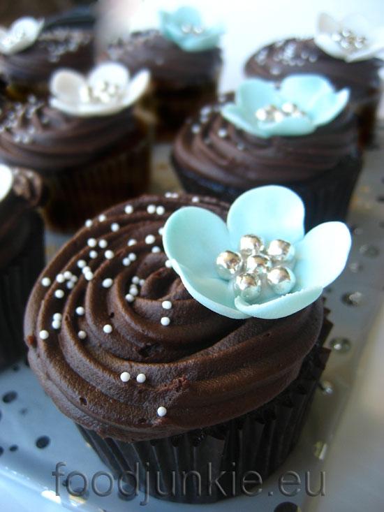 vegan choc cupcakes