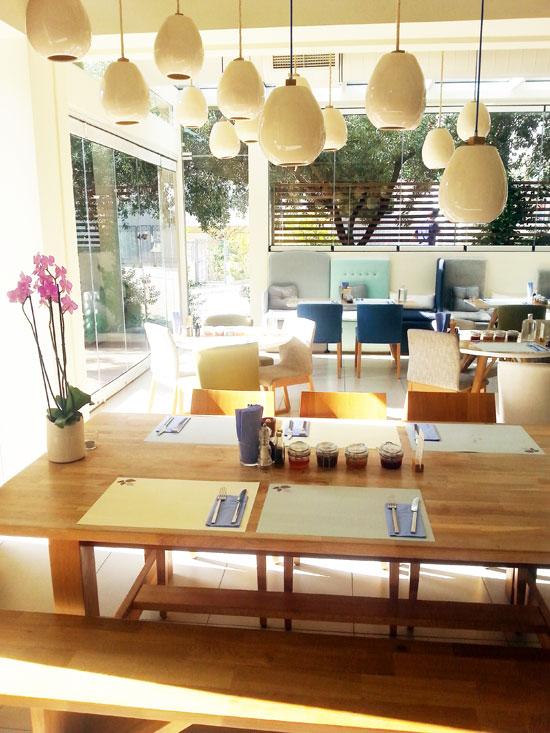 Nafsika-breakfast-room2