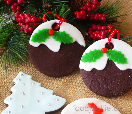 decorated-chocolate-cookies-web