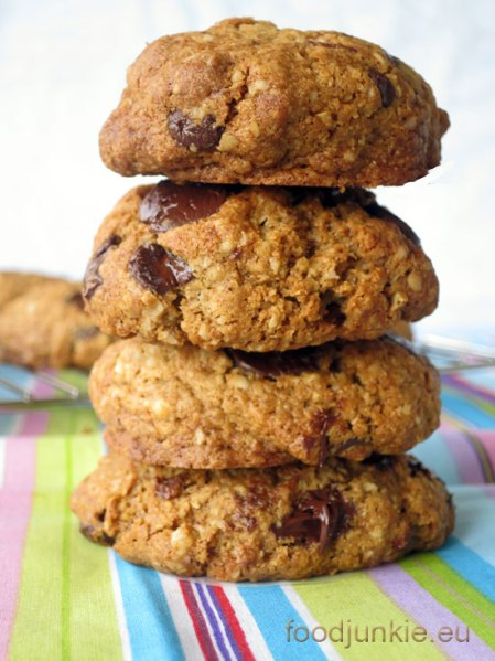 healthy-oat-chocolate-chip-cookies-3