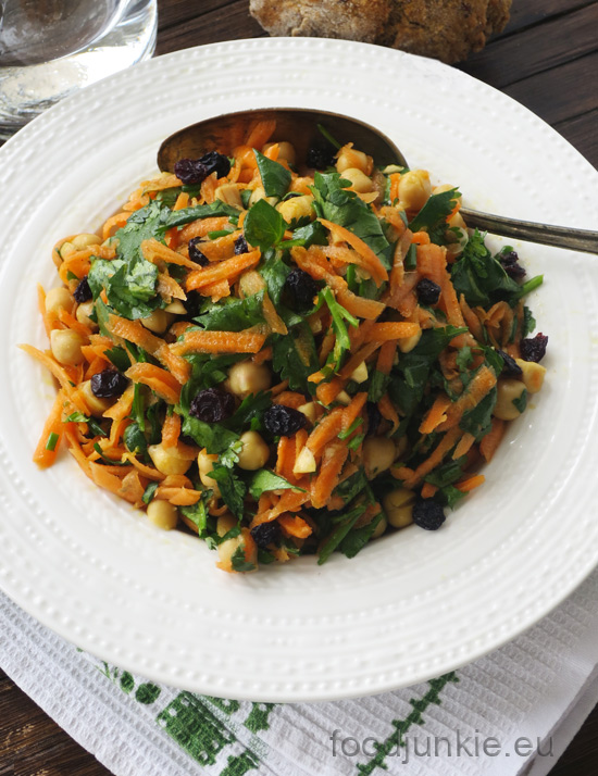 fresh-and-fragrant-moroccan-carrot-salad-3